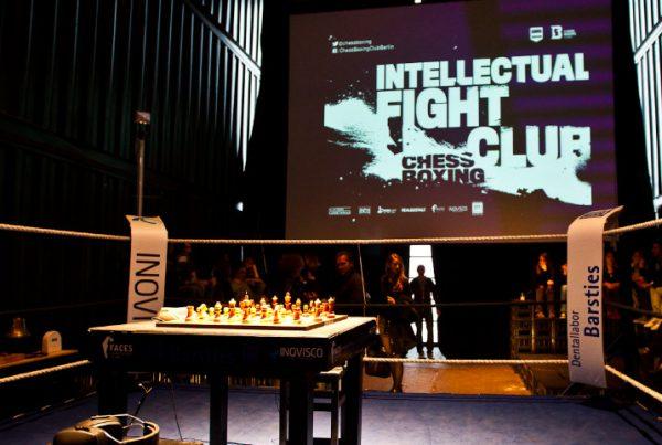 image für website von cratedesign_dem event mobiliar aus ungelabelten getraenkekisten aus berlin_img-cratedesign-inspiration-beitragsbild-ifc